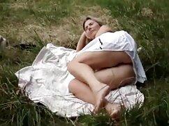彼女は眠っている、私も彼女の口の中でたわごとを感じることができない アダルト 動画 女性 専用