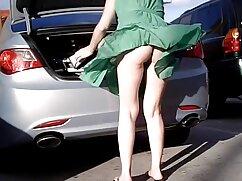 男は、車を離れないように偉大な男をジャンプします えろ 女性 用